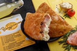 Чебурек с красной рыбой и сливочным сыром
